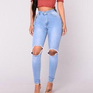 NWT Fashion Nova Highwaisted Jeans